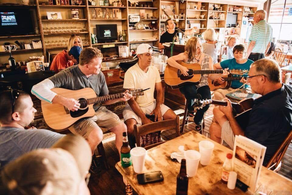 Edgefield County Acoustic – Guitar Pull: Edgefield County Acoustic was formed by local citizens who love listening, playing, and writing acoustic music.
